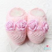 Sapatinho de Tricô 2 Flores Rosa