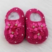 Sapatinho de Tricô Flores Pink
