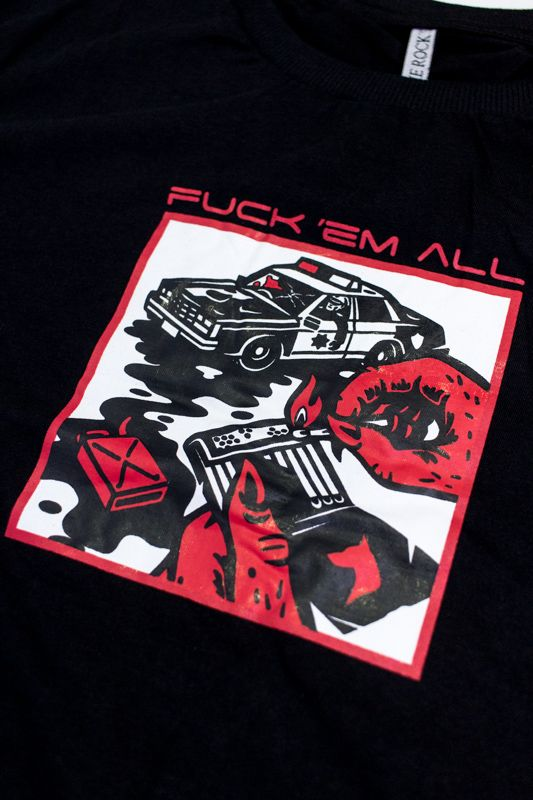 """CAMISETA THE ROCKS """"FUCK 'EM ALL"""" PRETA"""