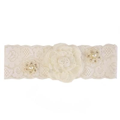 Faixa bebê de renda com flor e pérolas - Off white