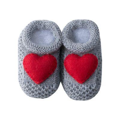 Sapatinho bebê coração - Cinza e vermelho