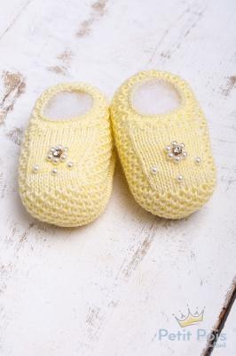 Sapatinho bebê em tricot bordado - Amarelo bebê