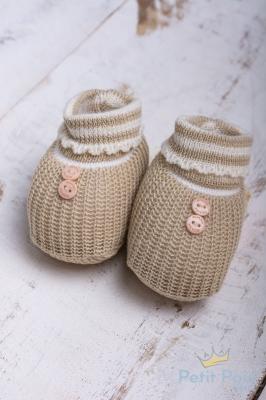 Sapatinho bebê em tricot com botões - Bege