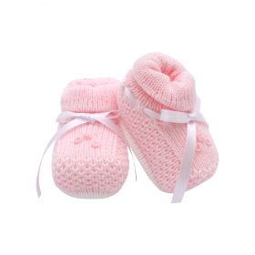 Sapatinho bebê em tricot com flor e fita - Rosa bebê