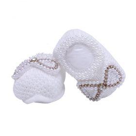 Sapatinho bebê em tricot com laço de pérolas e strass - Branco