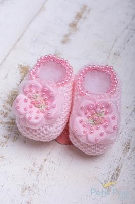 Sapatinho bebê flor e pérolas