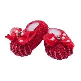 Sapatinho de bebê em tricot com laço e pérolas - Vermelho