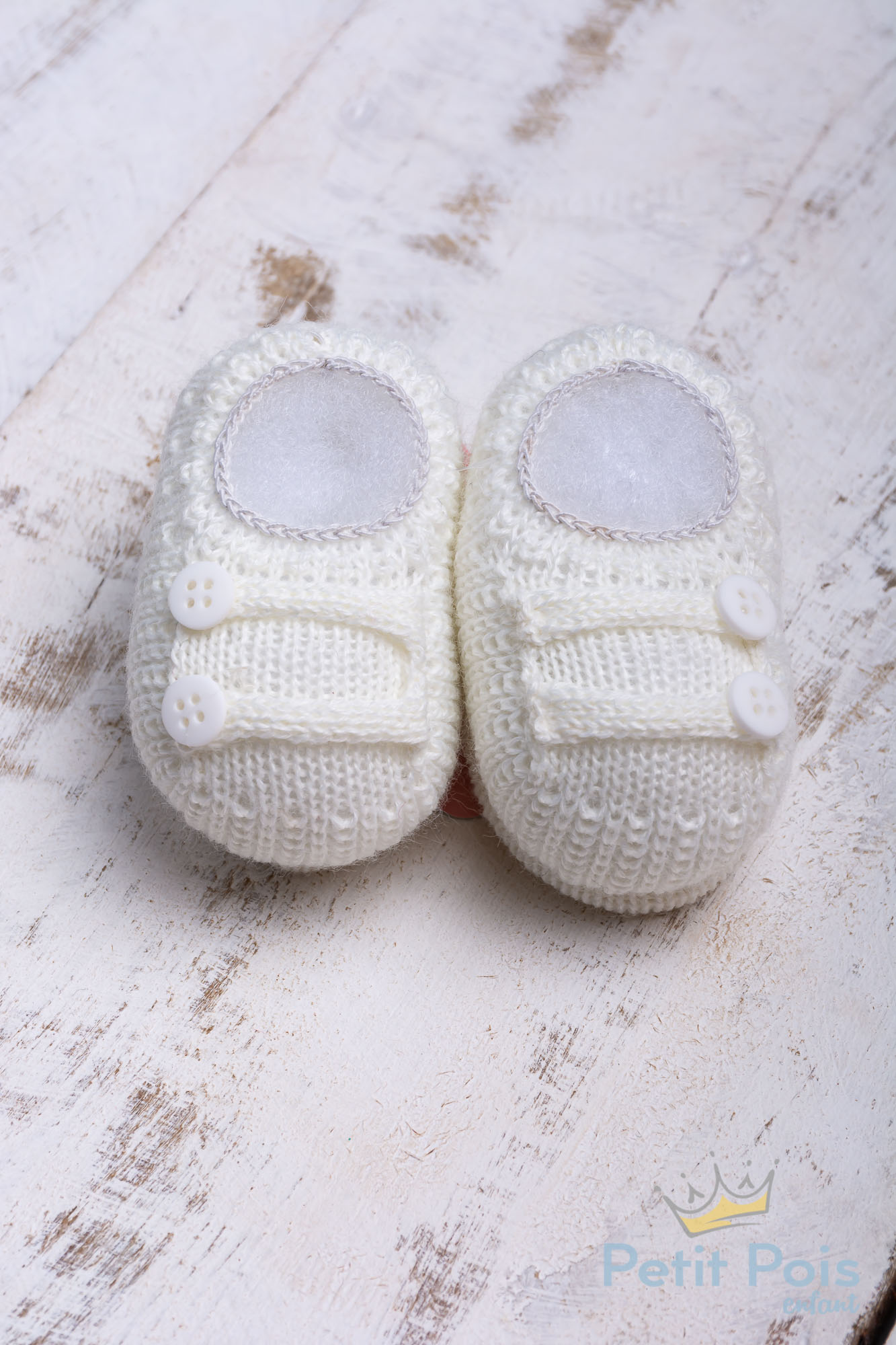 Sapatinho bebê em tricot 2 botões - Natural