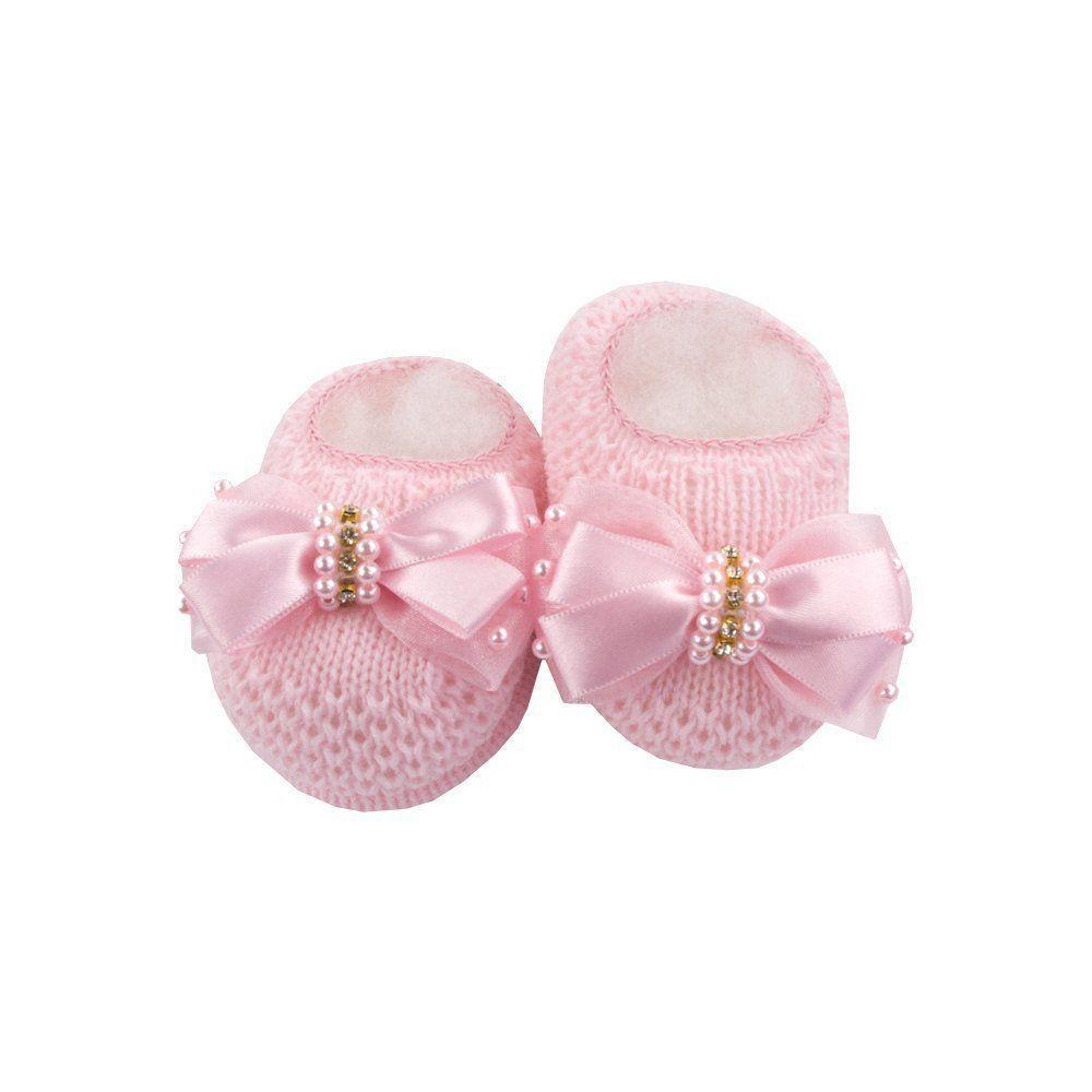 Sapatinho bebê em tricot com laço e pérolas - Rosa sensação