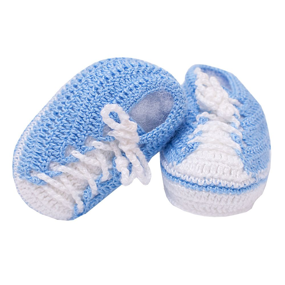 Sapatinho bebê tênis em crochê - Azul bebê e branco