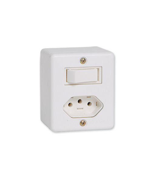 Conjunto De Sobrepor 1 Interruptor Simples + 1 Tomada 2P + Tomada 10A 63200 Ilumi