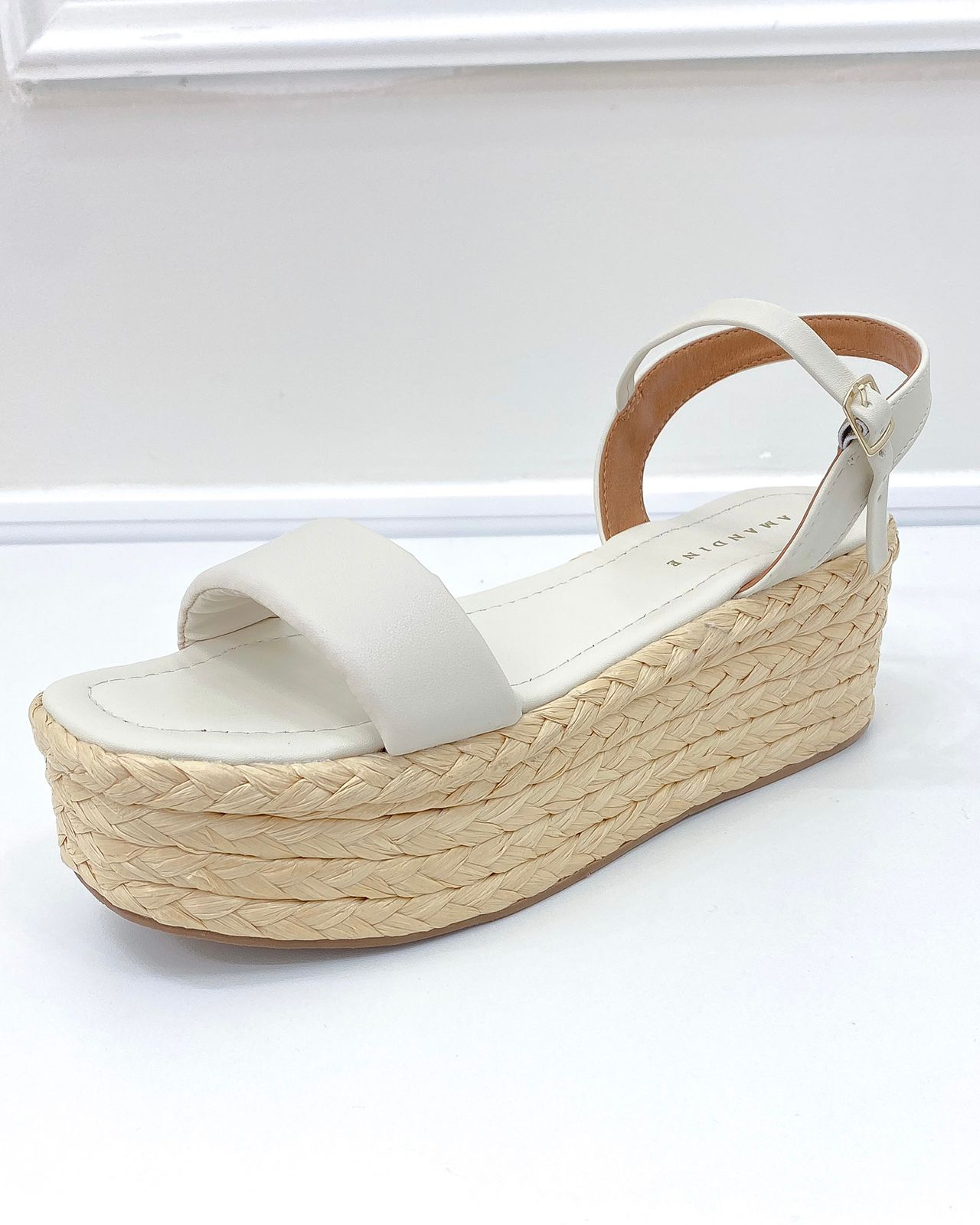 Sandália Flatform Palha Soft Off-White
