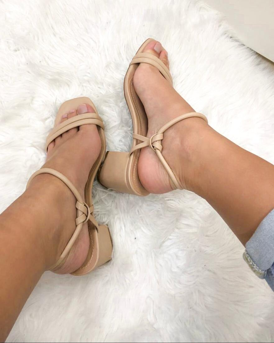 Sandália Salto Bloco Nude
