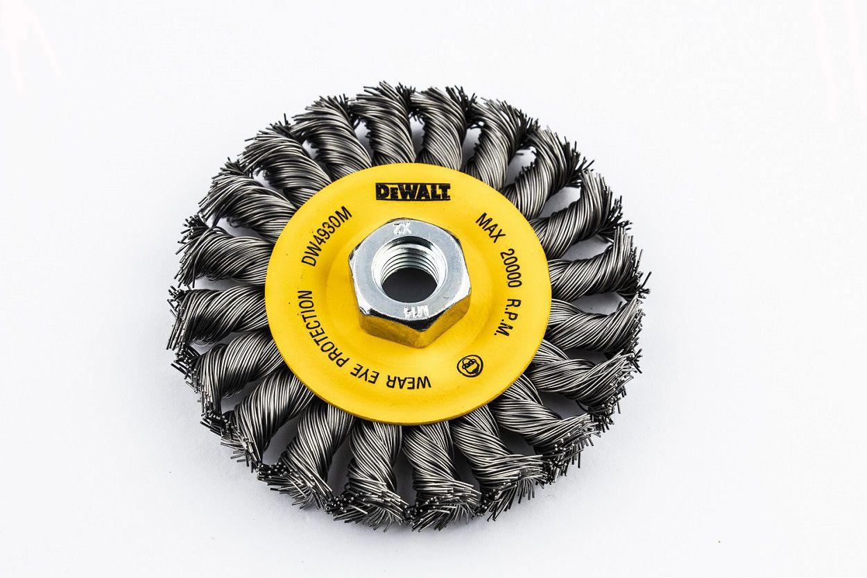 """Escova de Aço para Esmerilhadeira Tipo Trançada de 4"""" DeWALT DW4930M"""