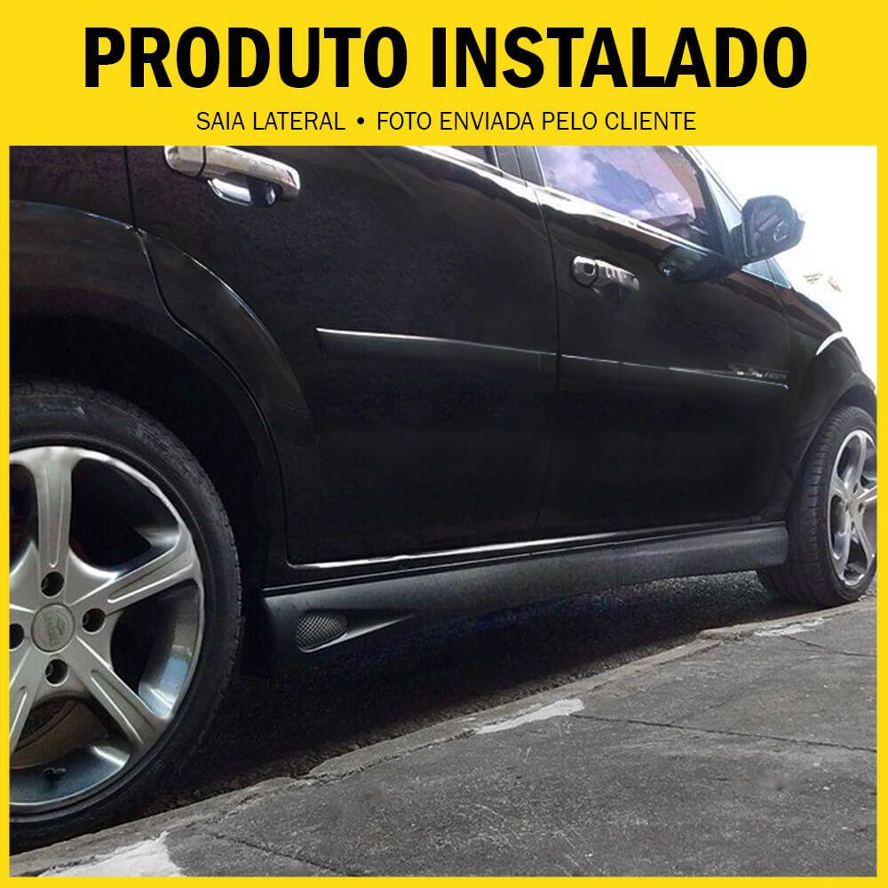 Spoiler Lateral Ford Ká  03 04 05 06 07 08 09 10 11 12 13 14 2 Portas Cor Preta Com Aplique Central Prata e Ponteira Preta Bi-Partido  - Artmilhas