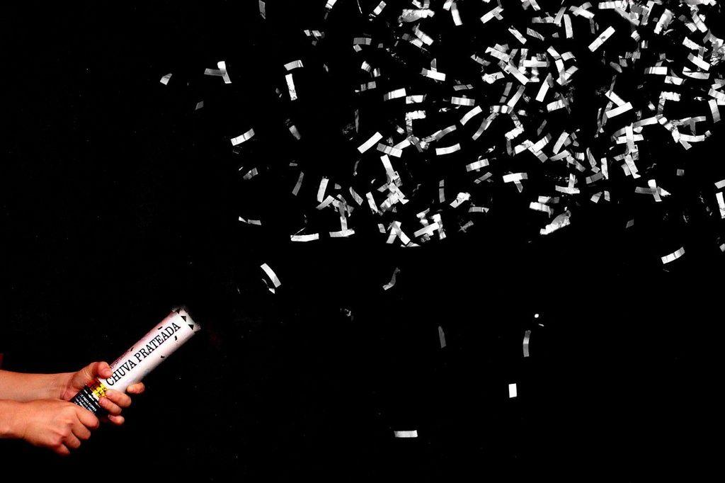 Lança Confete chuva de Prata 40 cm