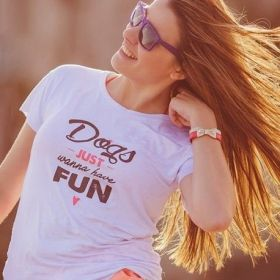 Camiseta Dogs Just Wanna Have Fun