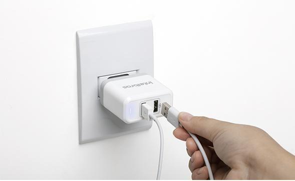 EC 2 Fast Fonte carregadora 2 saídas USB