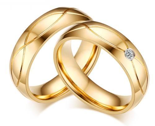 Par Aliança Anel Aço 5 Mm Noivado Casamento Banhada Ouro 18k