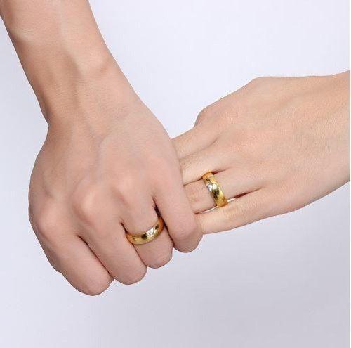 Par De Alianças Coração Com Zircônias Banhadas Ouro 18k