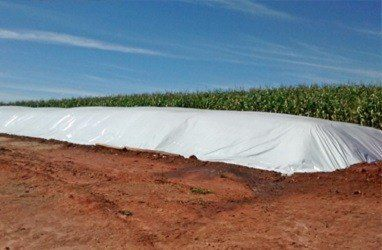 Lona Preta / Branca Silagem Dupla Face 200 micras 10x50m 72kg