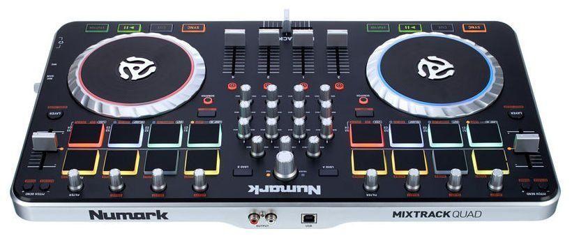 Controlador Numark Mixtrack Quad 4 Canais com Interface de Áudio USB