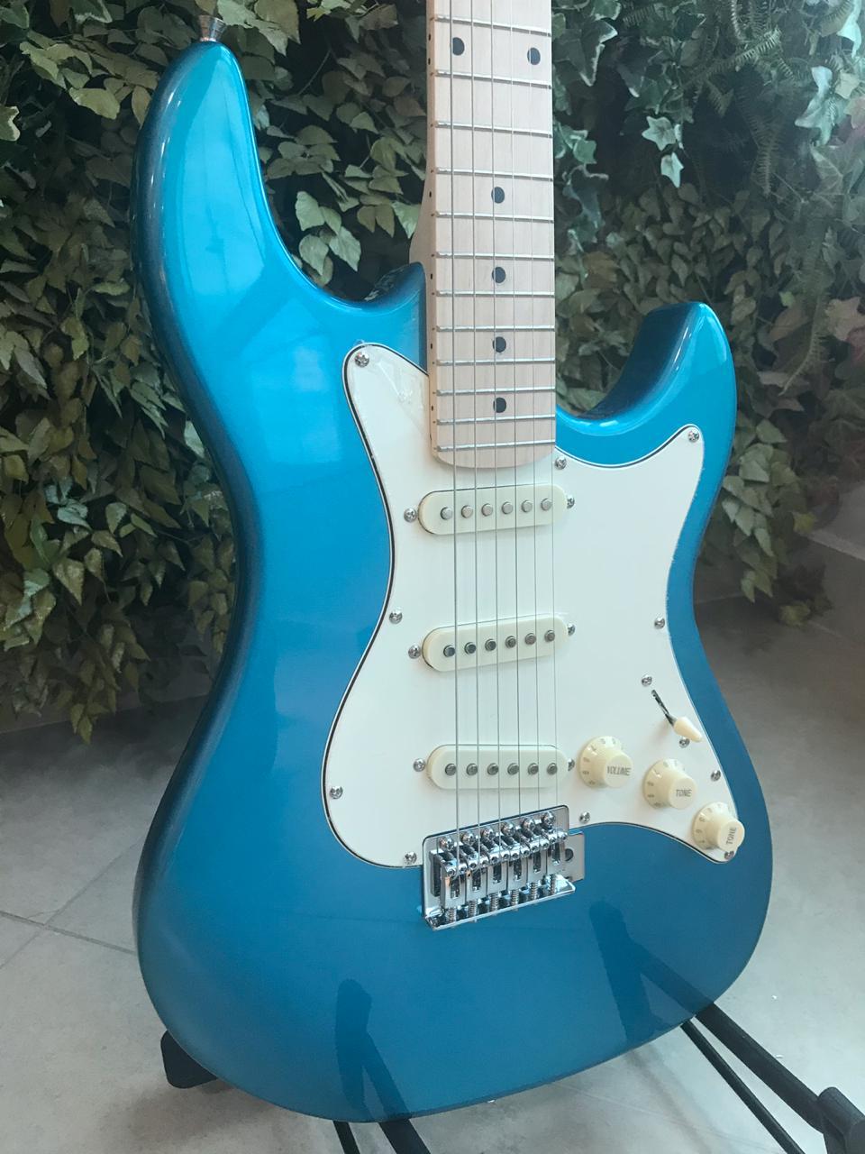 Guitarra Stratocaster Strinberg STS-100 Metallic Blue