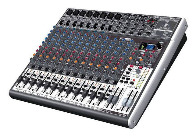 Mesa de Som Behringer Xenyx X2222 USB 16 Canais