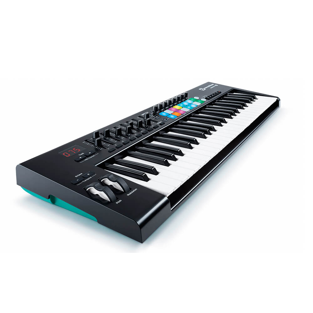 Teclado Controlador Novation Launchkey 49 MK2 USB