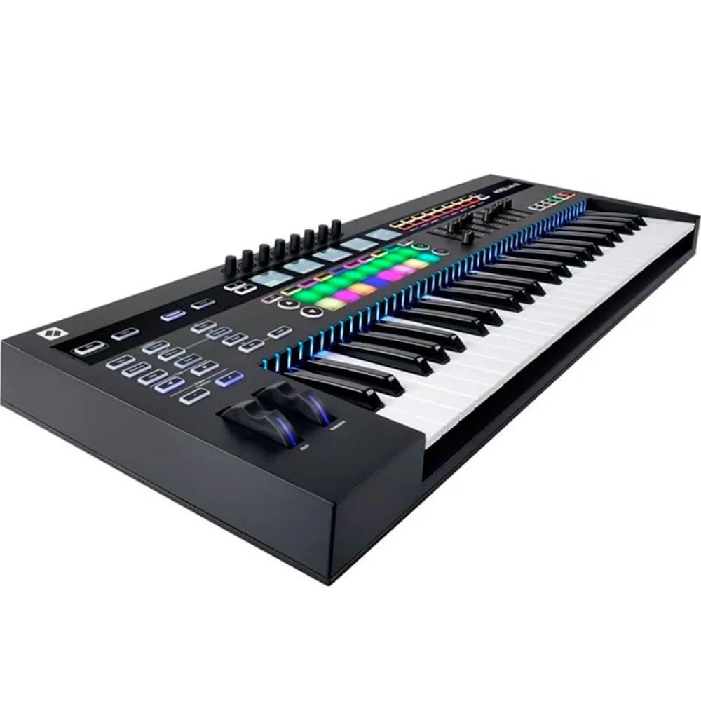 Teclado Controlador Novation SL MK3-49 USB / MIDI