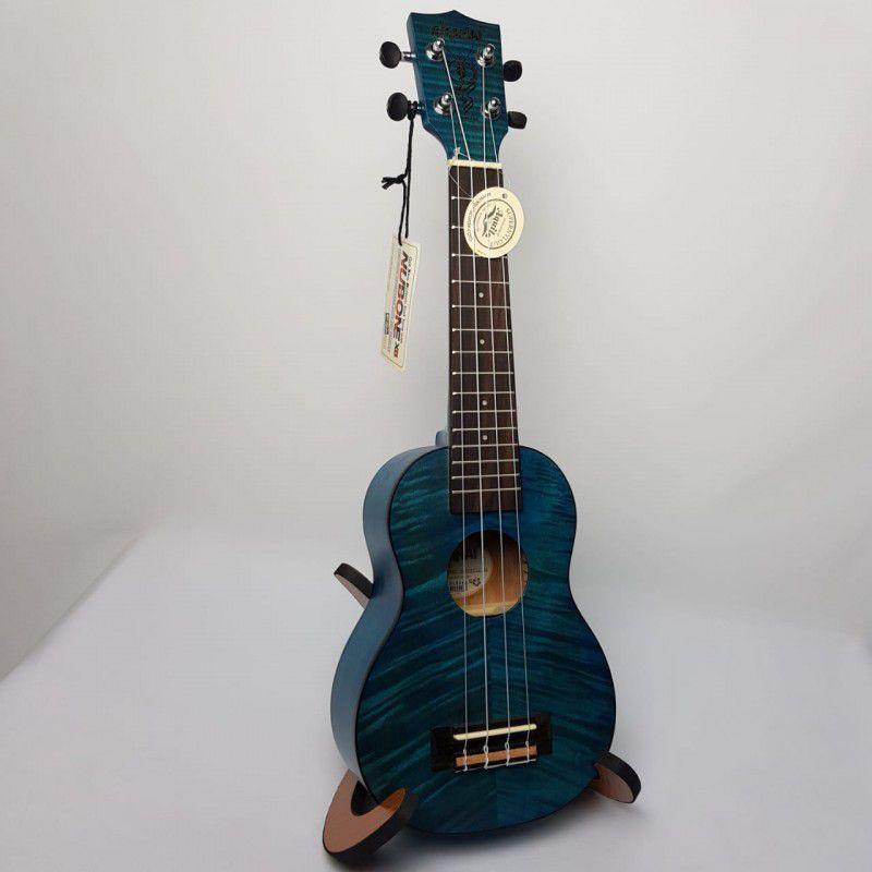 Ukulele Akahai KFB-21 Soprano Flamed Blue com Cordas Aquilas e Bag