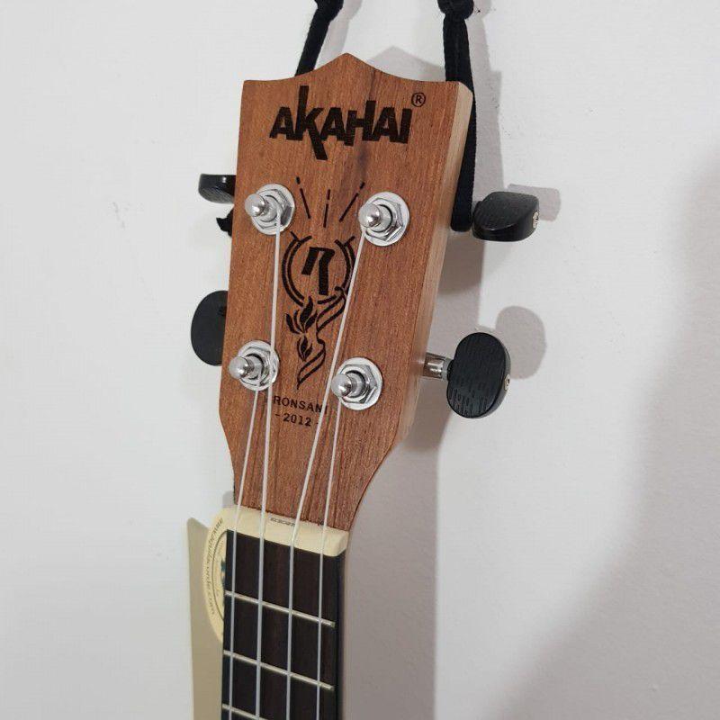 Ukulele Eletro-Acústico Akahai K-21E Soprano com Cordas Aquila