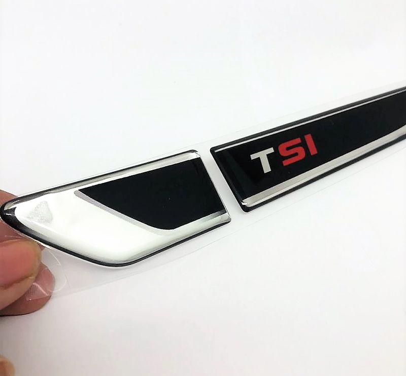 """Emblema Resinado Aplique Lateral TSI """"SI"""" Vermelho Par"""