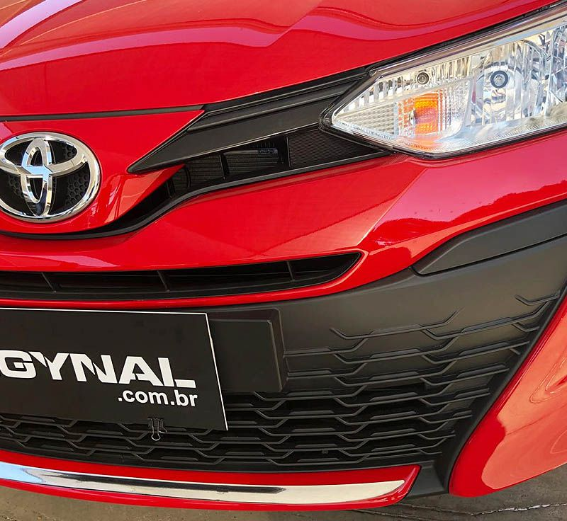 Friso Para-Choque Dianteiro Yaris Hatch Sedan 2018/2019 Resinado