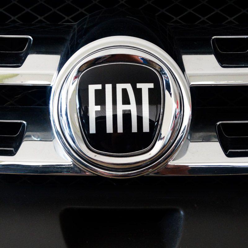 Kit 2 Adesivos Emblema Fiat Mobi Preto