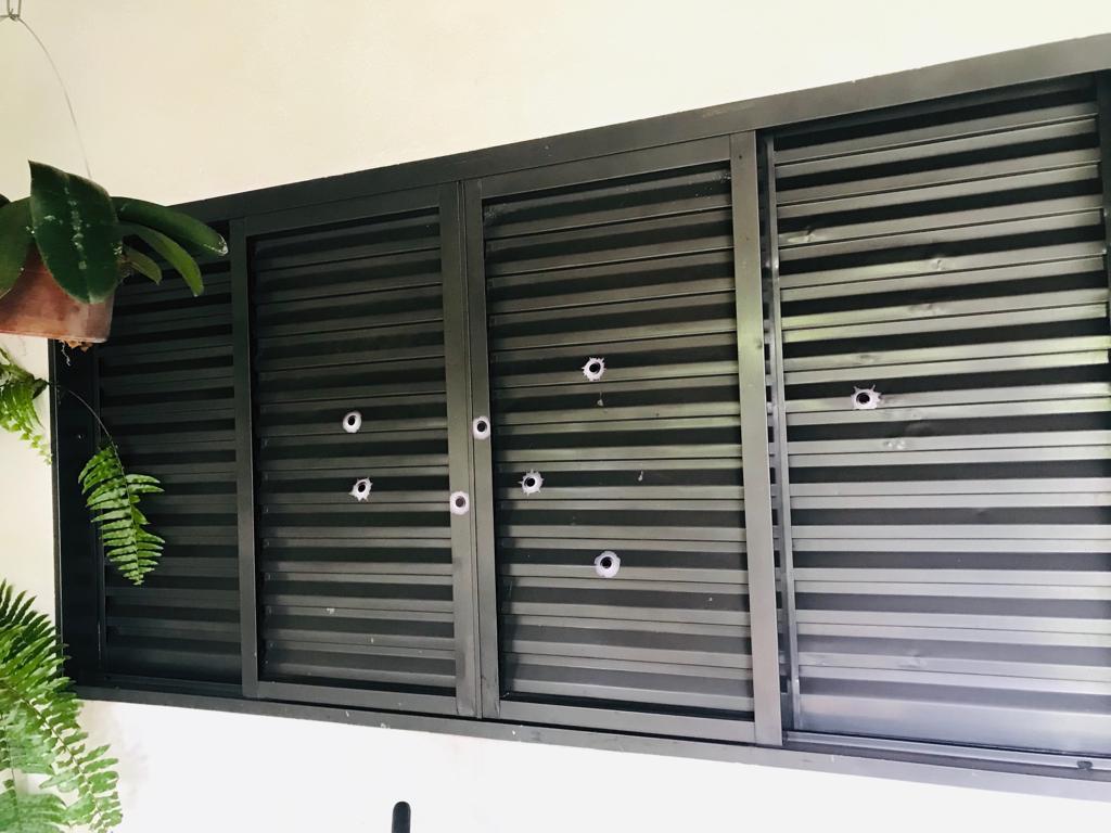 Kit Adesivos Decorativo Buraco Tiro de Bala Cartela 9 unid