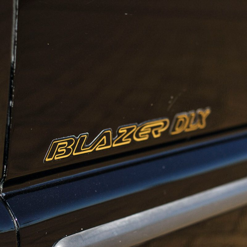 Kit Emblemas Blazer Dlx 1996/99 4.3v6 Adesivo Dourado/Preto