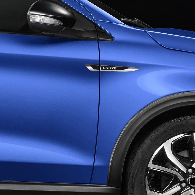 Par Aplique Lateral Cruze Emblema Black Resinado Chevrolet