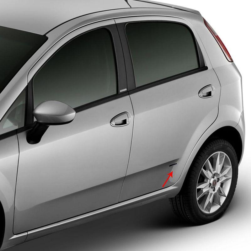 Par de Emblemas Adesivo Fiat Punto Design Giugiaro Resinado