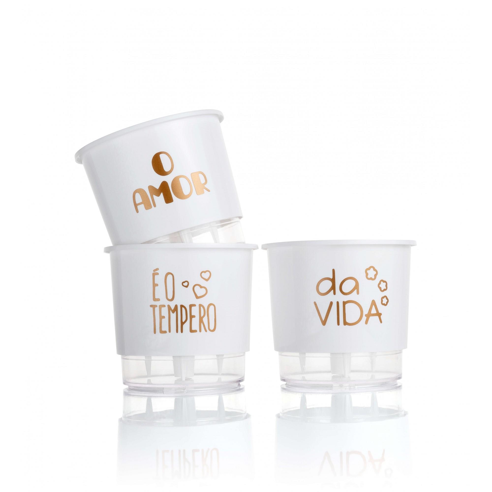 Conjunto 3 Vasos Autoirrigáveis Pequenos 12cm x 11cm O Amor é o Tempero da Vida - Branco  - Vasos Raiz Loja Oficial
