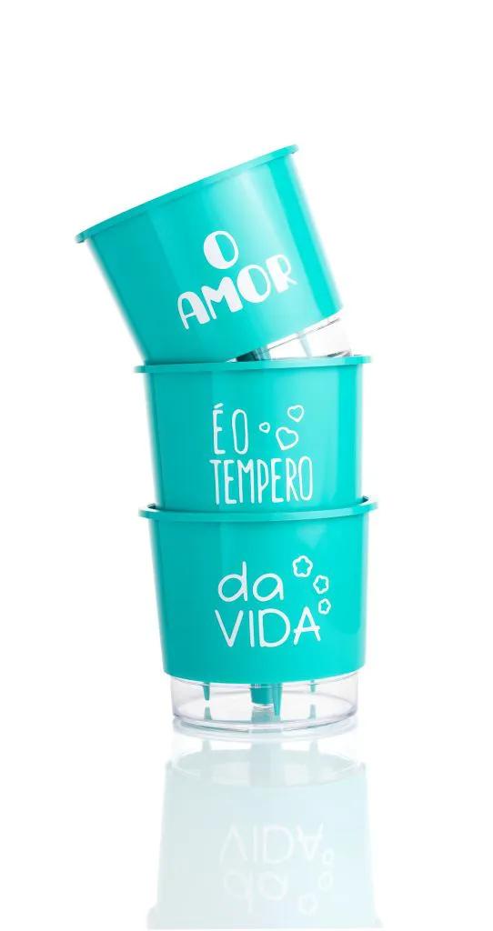 Conjunto 3 Vasos Autoirrigáveis Pequenos 12cm x 11cm O Amor é o Tempero da Vida - Verde Raiz  - Vasos Raiz Loja Oficial