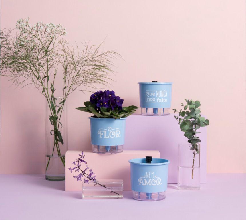 Conjunto 3 Vasos Autoirrigáveis Pequenos 12cm x 11cm Flor e Amor Azul Serenity