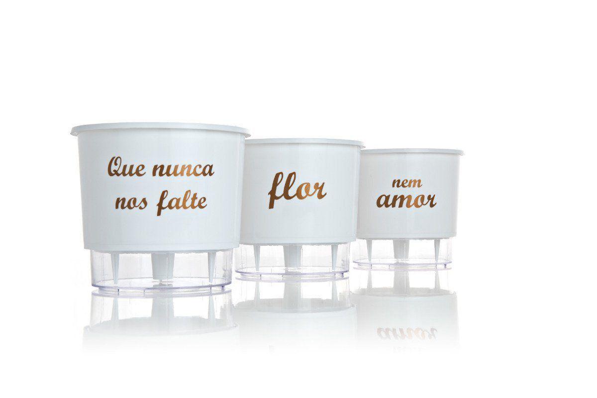 Kit 3 Vasos Autoirrigáveis Pequenos 12cm x 11cm Flor e Amor Branco