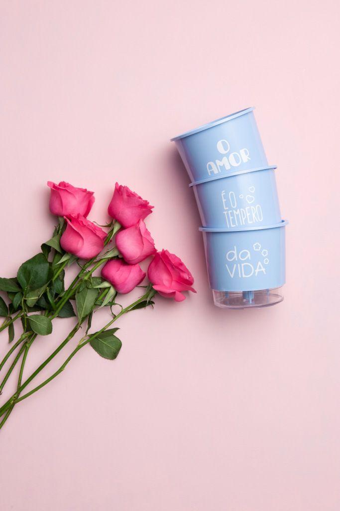 Kit 3 Vasos Autoirrigáveis Pequenos N02 12cm x 11cm O Amor é o Tempero da Vida Azul Serenity  - Vasos Raiz Loja Oficial