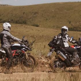 Bolsa Mala de Viagem Mochila X11 Drybag 60L Modelo Rolltop 100% Impermeável Motociclista Ciclista