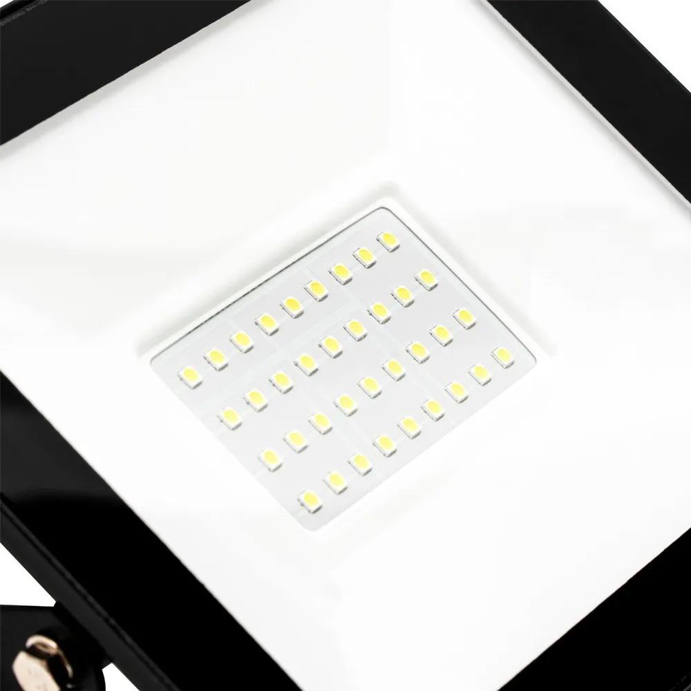 Refletor Led Holofote 50w Branco Frio Resistente A Água Ip66