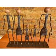Escultura Artesanal em Ferro Família Vó Olívia