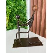 Escultura Artesanal Pai e Filho em Ferro