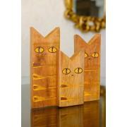 Trio de Gatos Decorativos em Madeira