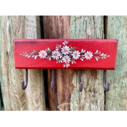 Porta Chaves Vermelho com Detalhes em Flor